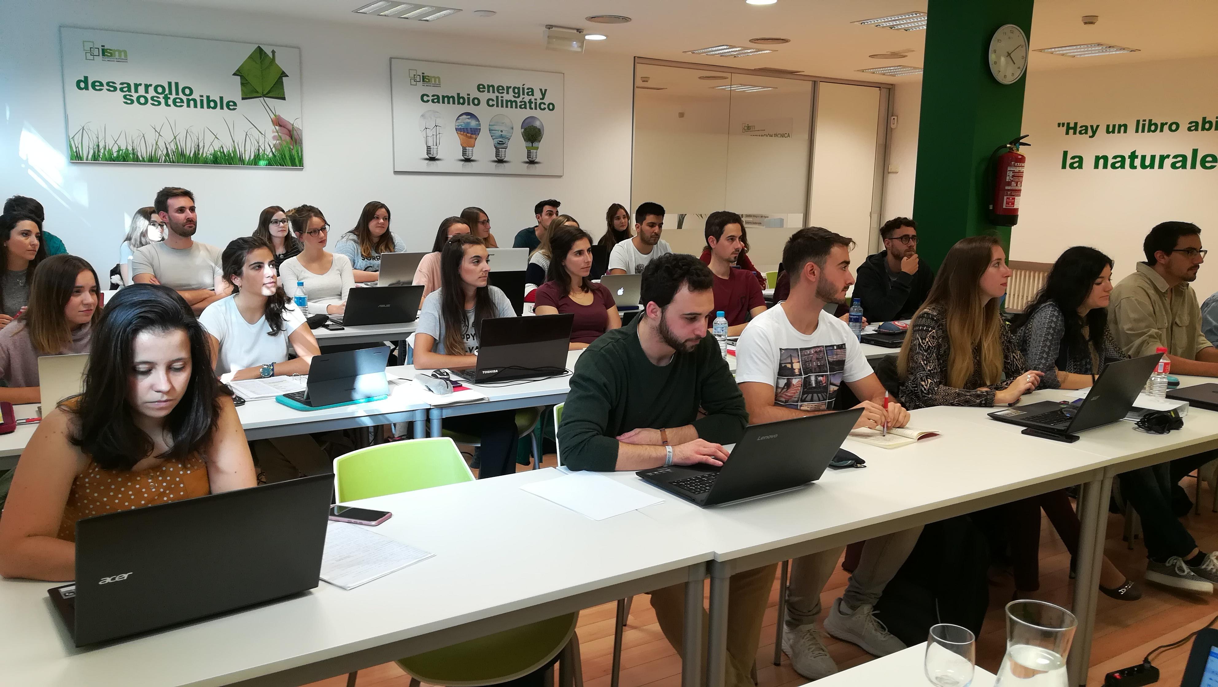 Alumnos de la edición 18-19 del Máster en Gestión Ambiental en la Empresa